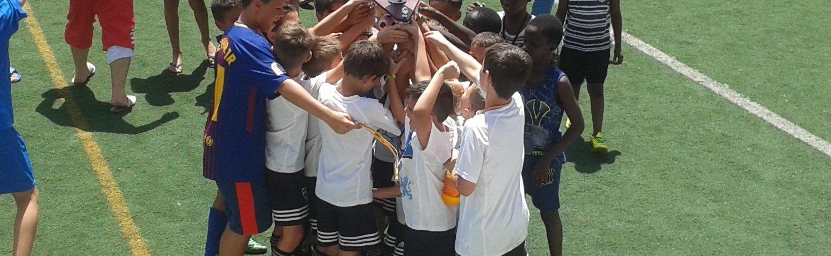 Torneos de Fútbol Internacionales, Semana Santa Fin de Semana la y el Verano.